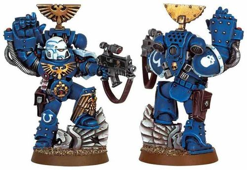 Space Marine Sergeant with Power Fist & Bolter 2008