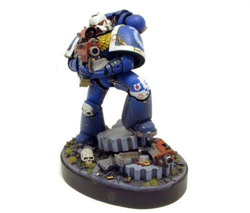IMPERIAL SPACE MARINE (150mm)